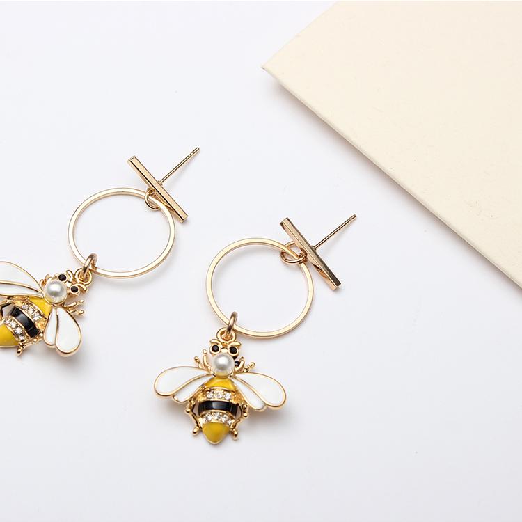 Korean version of the Sen Mori Bee Ring Earrings NHNPS4775