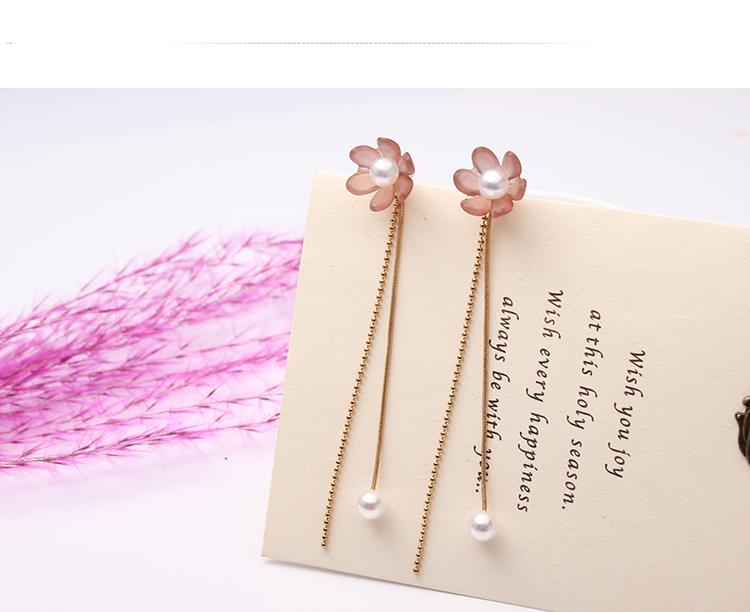 Korean version of the small fresh flower tassel earrings (light pink) NHNPS4769