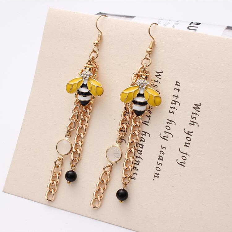 Korean version of the creative wild bee tassel earrings NHNPS4765