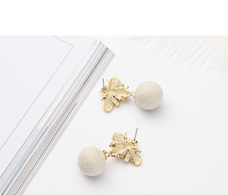 Korean version of the small fresh bee hair ball (white) NHNPS4842