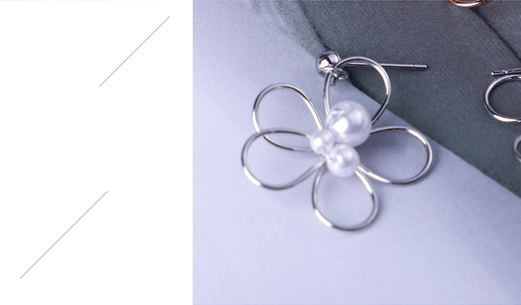 Korean version of the Sen personality sweet little cherry beads earrings (like platinum) NHNPS5369