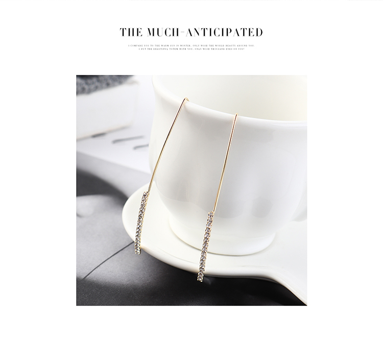 Korean earrings wholesale fashion gold-plated pearl triangle earrings NHPS185090