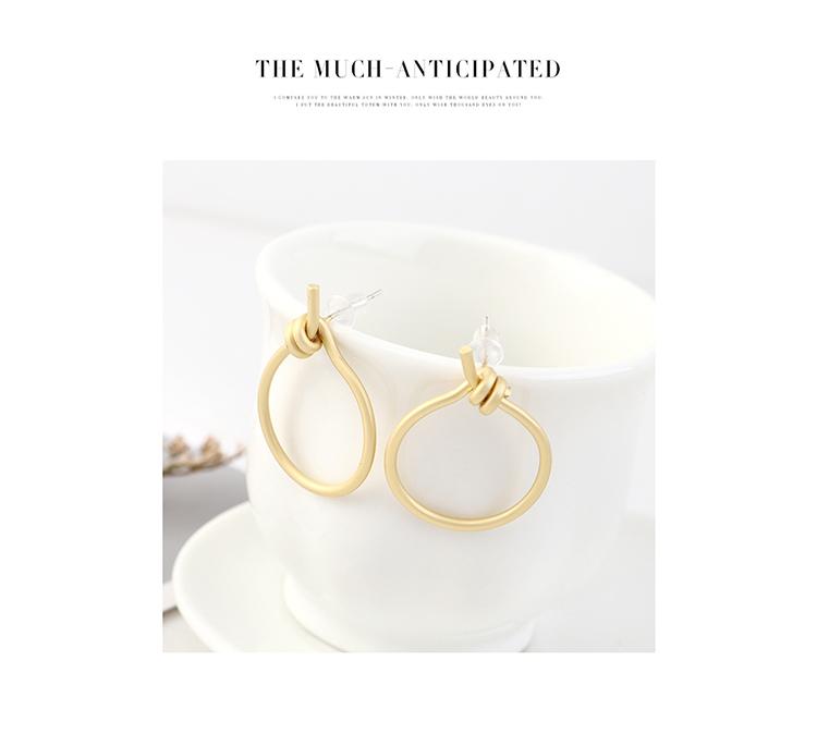 Moda coreana minimalista chapado en oro pequeño círculo hueco S925 Aretes de plata NHPS193540