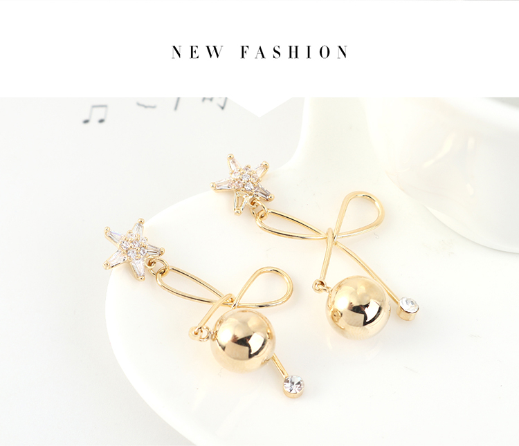 Korean version of the trendy small fresh gold plated ball small flower fashion S925 silver needle NHPS203160