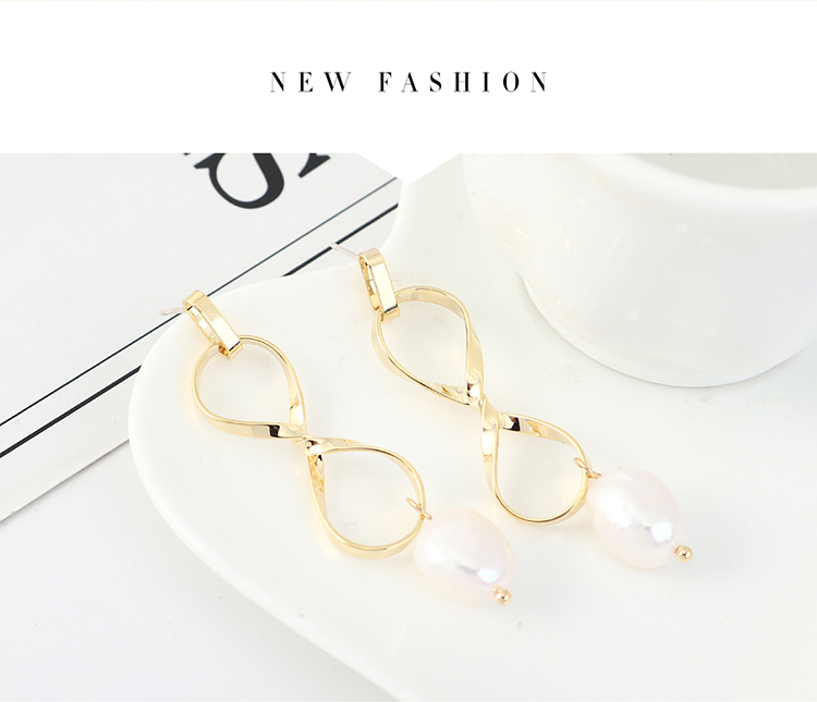 Simple retro small fresh gold-plated fashion hollow pearl S925 silver earrings NHPS203164
