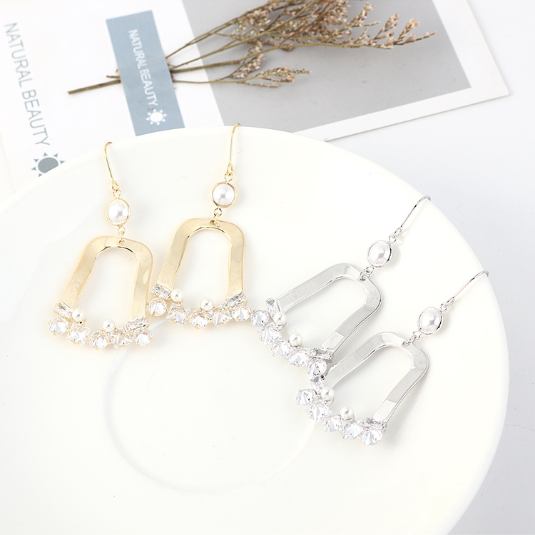 Fashionable wild retro gold-plated new pearl hollow earrings NHPS203167