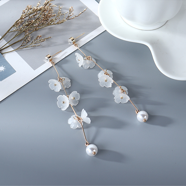 Korean Long Fashion Small Snowflake Tassel Pearl Earrings for women wholesale NHPS205297