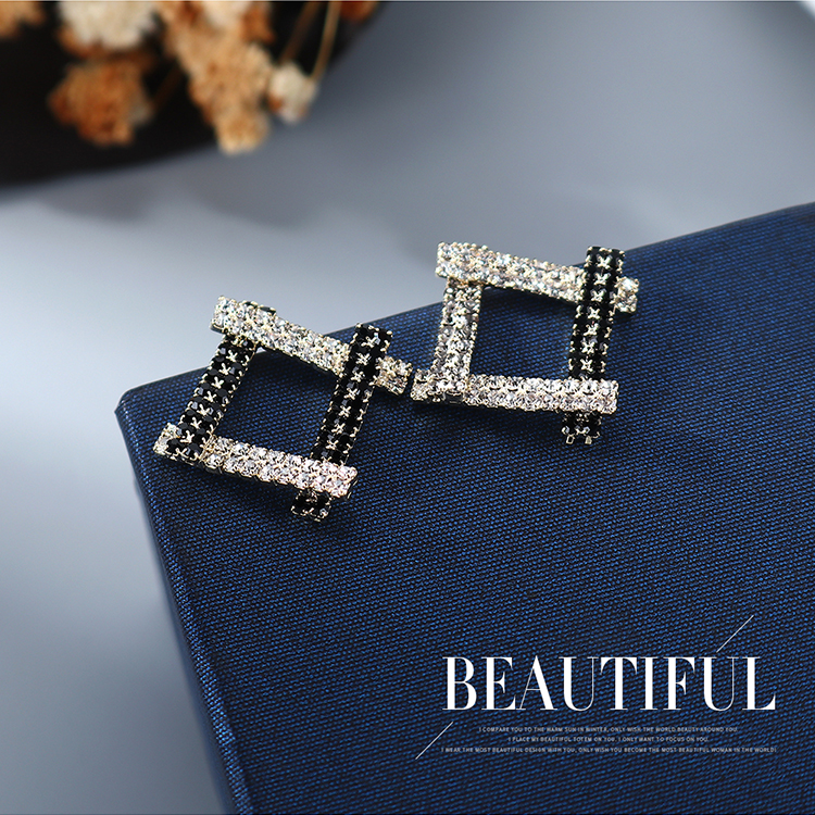 Korean gold plated simple small fresh and wild fashion hollow S925 silver needle copper earrings nihaojewelry wholesale NHPS214655