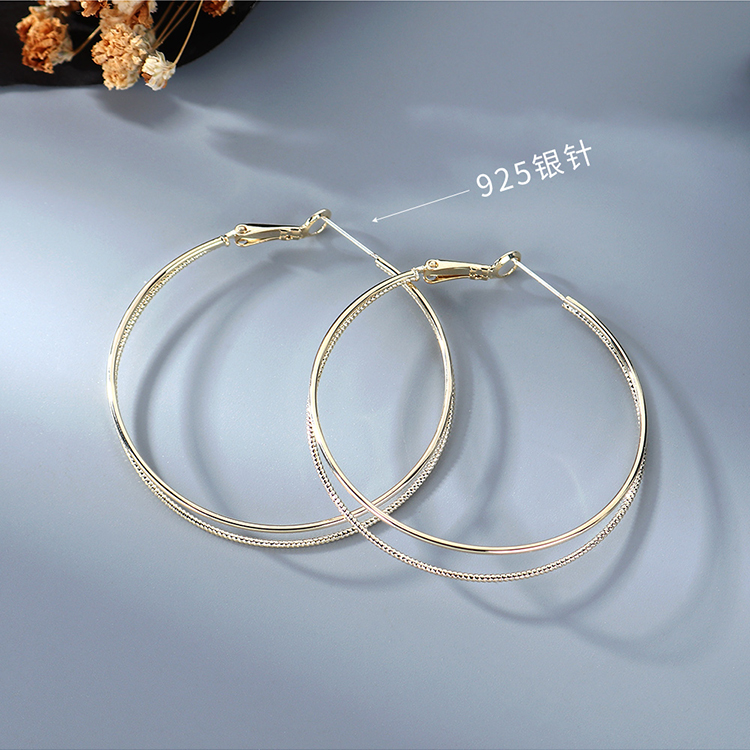 fashion new  gold-plated fashion creative exaggerated atmosphere  swept the large circle hollow S925 silver needle earrings wholesale  NHPS218608