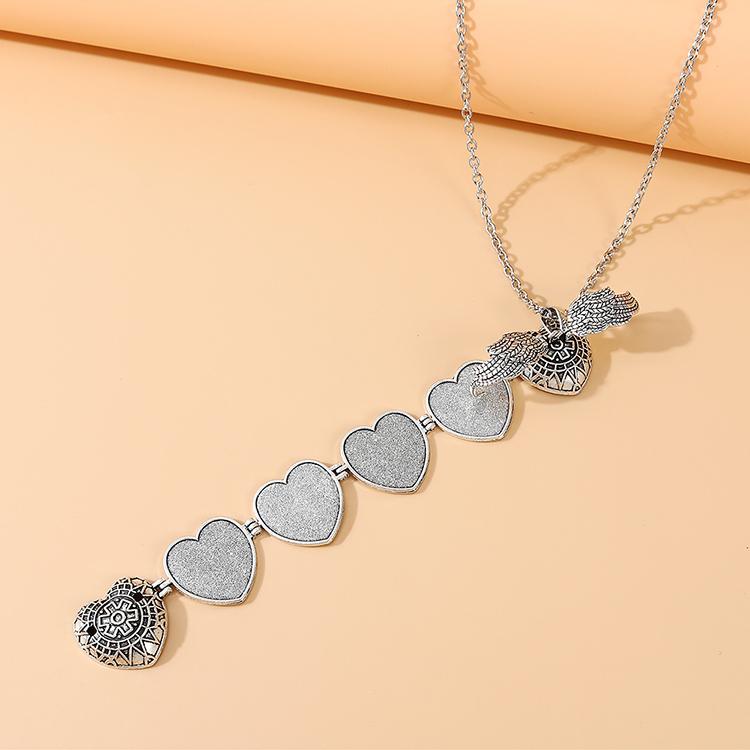 Fashion wild exquisite sweater chain for women peach heart photo souvenir sweater chain nihaojewelry NHPS237323