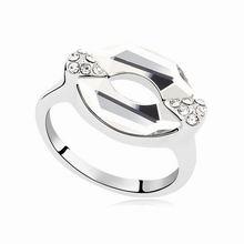 奥地利水晶戒指--唇印之恋(白色)