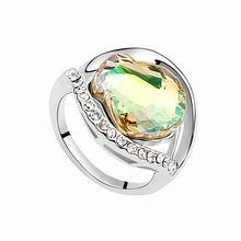 奥地利水晶戒指--爱情进行曲(夜光绿)