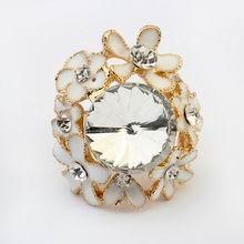 欧美夸张魅力小花朵戒指(白色)