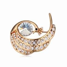 奥地利水晶胸针--孔雀戏珠(白色+香槟金)
