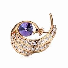 奥地利水晶胸针--孔雀戏珠(藕荷紫+香槟金)