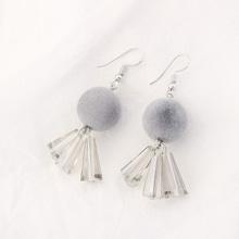 欧美时尚学院风球球耳环(灰色)