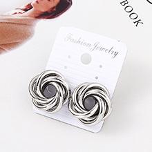 欧美时尚个性花卷耳环(白K)
