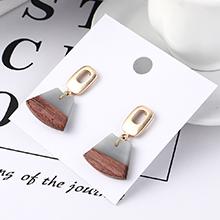 韩版冷淡风时尚简约木头耳环(白色)