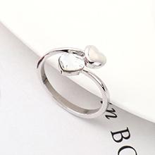 奥地利水晶戒指--心心之恋(白色)