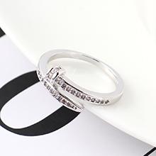 AAA级锆石戒指--皮带扣戒(白金)