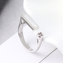 AAA级锆石戒指--反镜之光(白金)