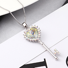 奥地利水晶项链--心房之钥(彩白)