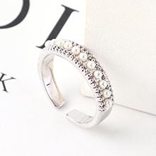 AAA级锆石戒指--琳琅满目(白金)