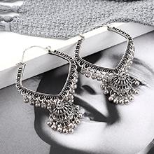 欧美夸张复古创意时尚个性镂空耳环(白K)
